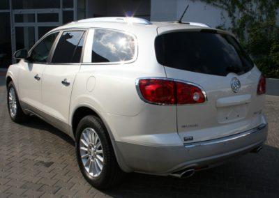 2009-Buick-Enclave-011
