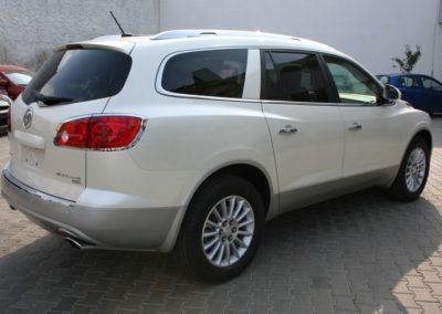 2009-Buick-Enclave-016