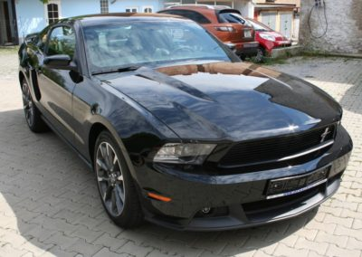 2012-Ford-Mustang-002