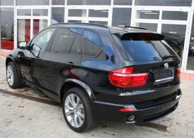 2010-BMW-X5-3.0d-012