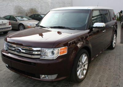 2010-Ford-Flex-003