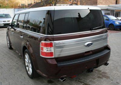 2010-Ford-Flex-010