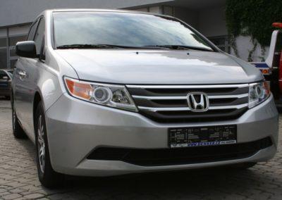 2011-Honda-Odyssey-EXL-041
