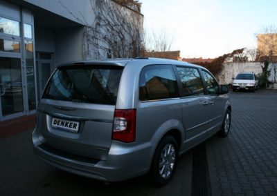 2012-Chrysler-Grand-Voyager-Town-Country-005
