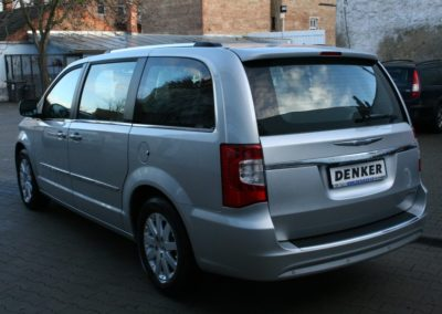 2012-Chrysler-Grand-Voyager-Town-Country-008