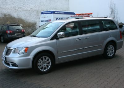 2012-Chrysler-Grand-Voyager-Town-Country-012