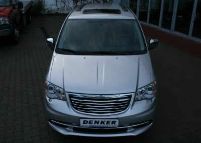 2012-Chrysler-Grand-Voyager-Town-Country-015