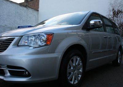 2012-Chrysler-Grand-Voyager-Town-Country-056