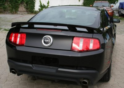 2012-Ford-Mustang-GT-Premium-010
