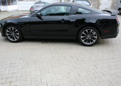 2012-Ford-Mustang-GT-Premium-015