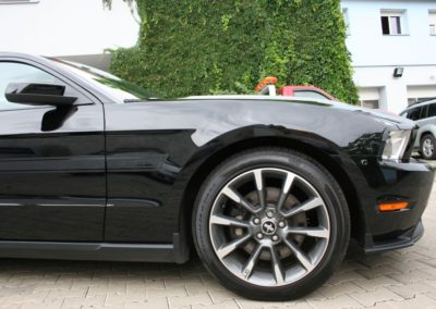 2012-Ford-Mustang-GT-Premium-066