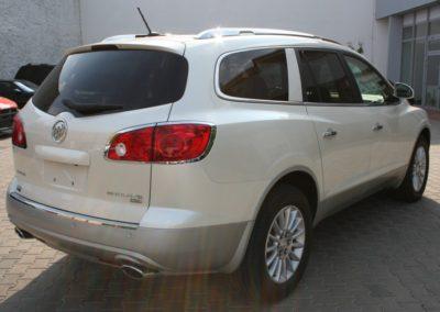 2009-Buick-Enclave-015