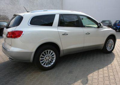 2009-Buick-Enclave-017