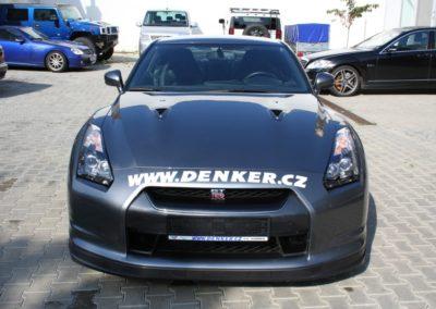 2009-Nissan-GT-R-001