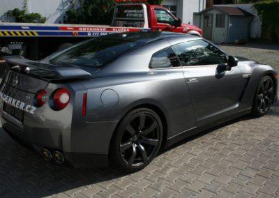 2009-Nissan-GT-R-009