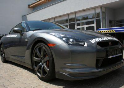 2009-Nissan-GT-R-061