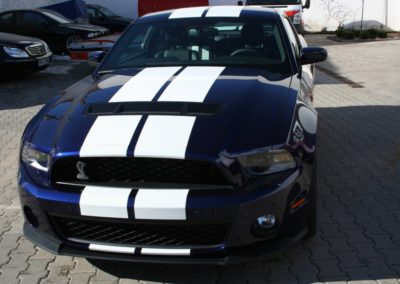 2010-Ford-Shelby-GT500-002
