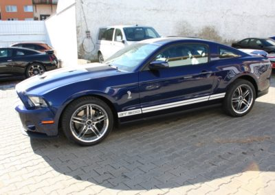 2010-Ford-Shelby-GT500-005