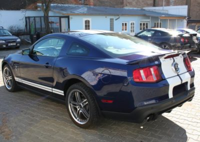 2010-Ford-Shelby-GT500-007