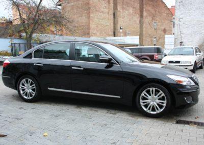 2010-Hyundai-Genesis-006