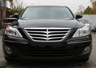 2010-Hyundai-Genesis-041