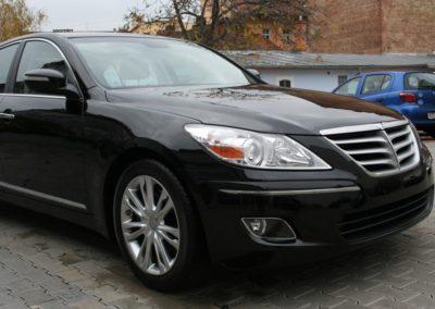 2010-Hyundai-Genesis-063
