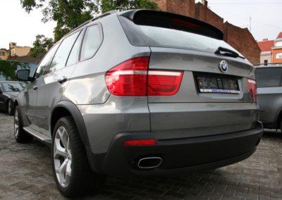 2008-BMW-X5-041
