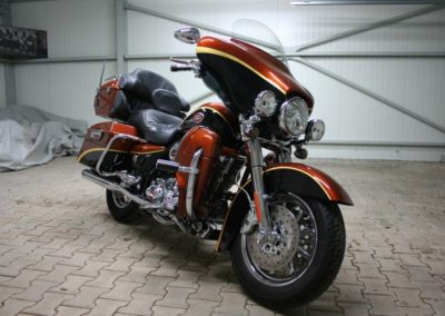 Harley-Davidson Touring Screamin Eagle Ultra Classic FLHTCUSE3